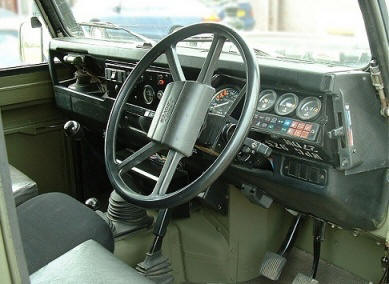 Ex mod land rover defender 110 ffr restoration for Interieur defender 90